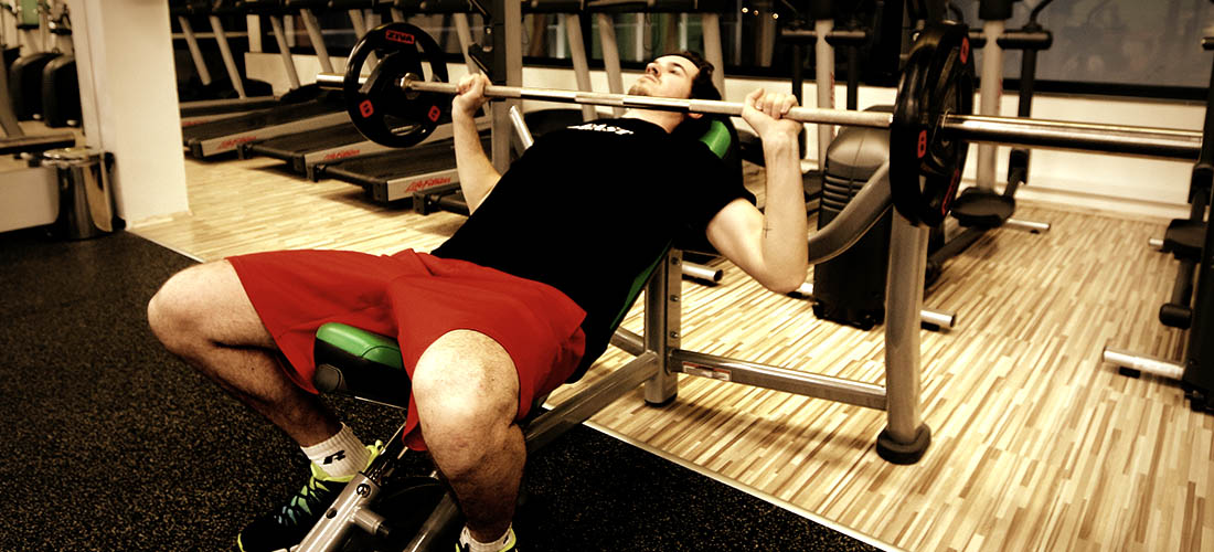 10 kickass tips to improve bench press strength