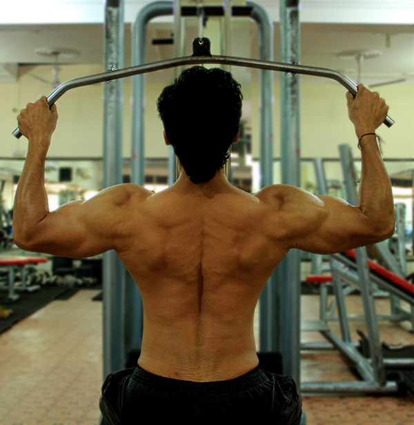 HOW TO DO WIDE GRIP LAT PULLDOWN