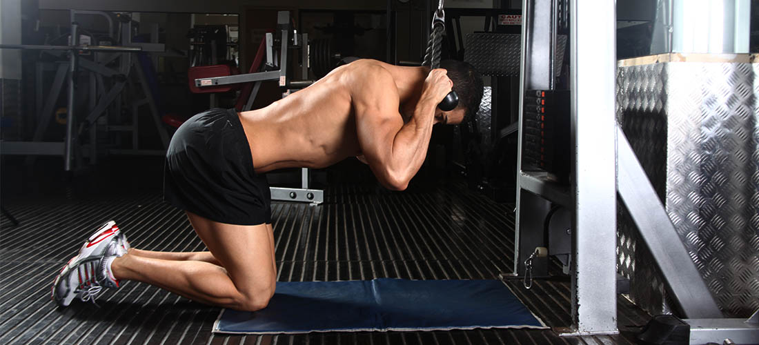 How To Do Kneeling Cable Crunch??? | workouttrends.com