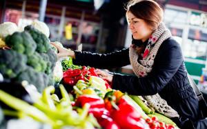 girl picking veggies