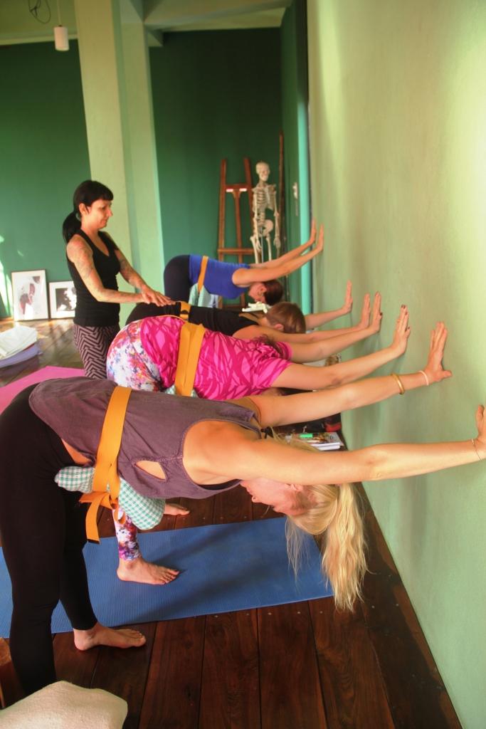 Vidisha performing prenatal yoga | Workout Trends
