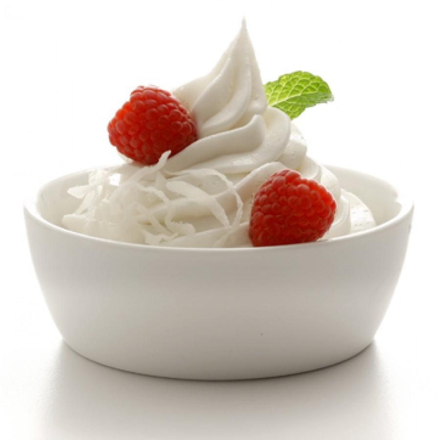 yoghurt-strawberries
